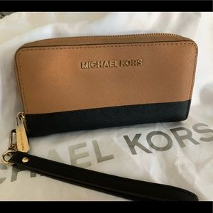 Micharl kors wallet